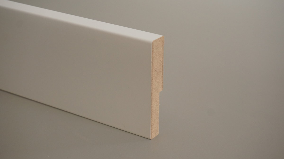 MDF grīdlīste krāsota 16x120mm (tekošie metri)